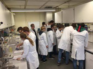 """TG Besuch im """"EMU-Lab"""" – dem Schülerlabor der Universität Ulm"""