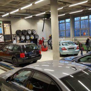 Werkstatt des Fachbereichs Fahrzeugtechnik